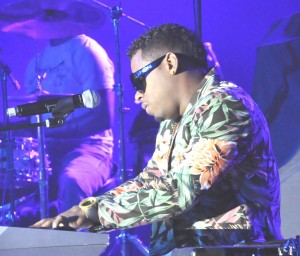 Bobby V played piano and sang several of his lady-pleasing hits as he opened for Erykah Badu at the May 30 concert at San Manuel. (Photo by Freddie Washington ©2013)