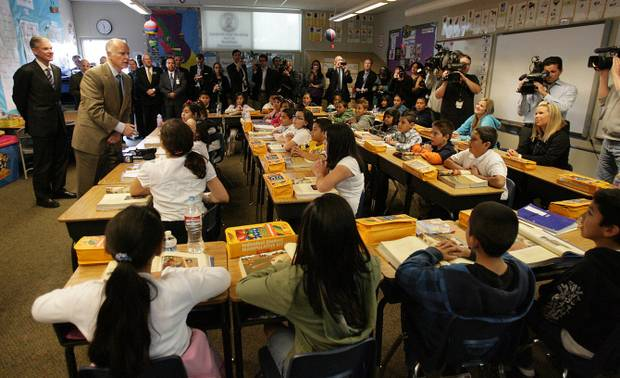 Terry Pierson/The Press-Enterprise  Gov. Jerry Brown speaks in Susan Cummins' 4th grade class at Arlanza Elementary School in Riverside in 2011.