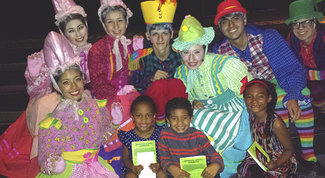 The cast of The Wizard of Oz took some photos with some of the audience. Ahmyiah, Wallace & Naimah were some of the lucky members.