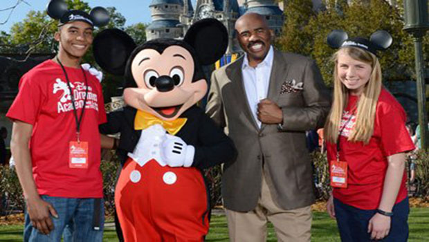 Steve_Harvey_at_DDA_20131_t580