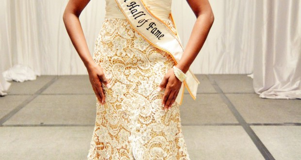 miss-uvi-nbca-gown_2014_300