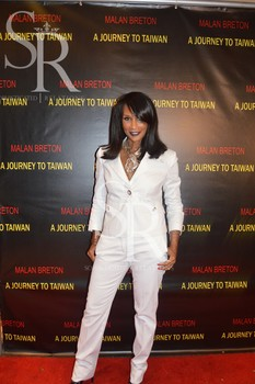 Actress and former supermodel Beverly Johnson (Naomi K. Bonman)