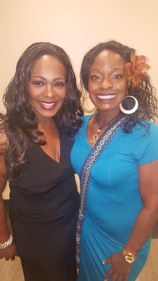 Jeanette Harris (left)
