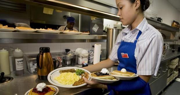 ihop-waitress-720
