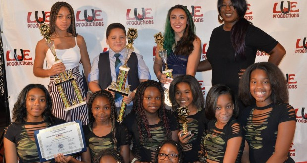 The winners of the youth competition with the founder of LUE Productions, Lue Dowdy(Photo credit: Freddie Washington)